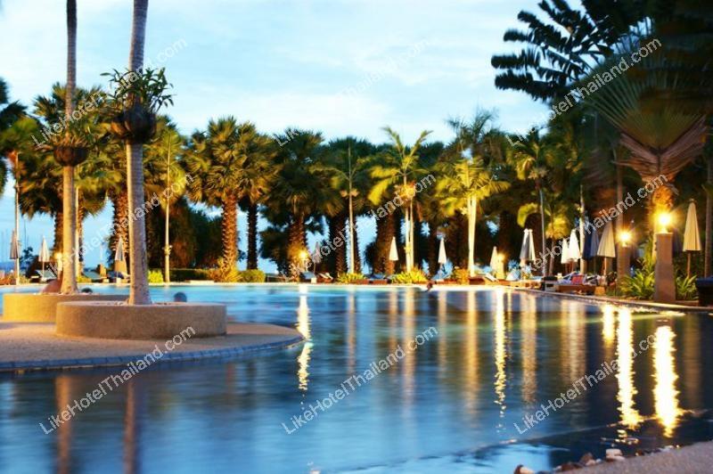 รูปของโรงแรม โรงแรม โบตานี่ บีช รีสอร์ท ติดทะเลหาดนาจอมเทียน สัตหีบ