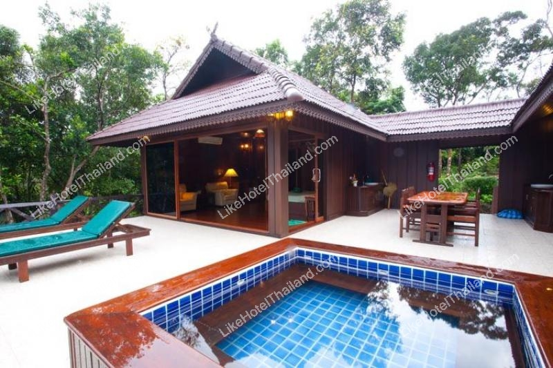Thai Twin House