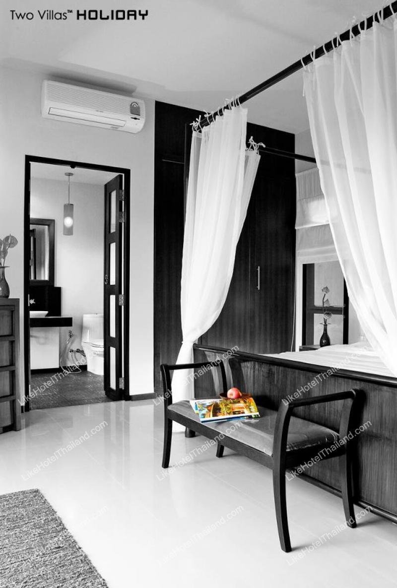 รูปของโรงแรม โรงแรม ทูวิลล่าส์ฮอลิเดย์ภูเก็ต โอเรียนทอลสไตล์ หาดลายัน