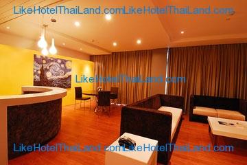 Wow Corner Suite