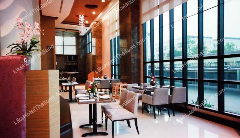 โรงแรม เดอะ เวอร์ติคอล สวีท