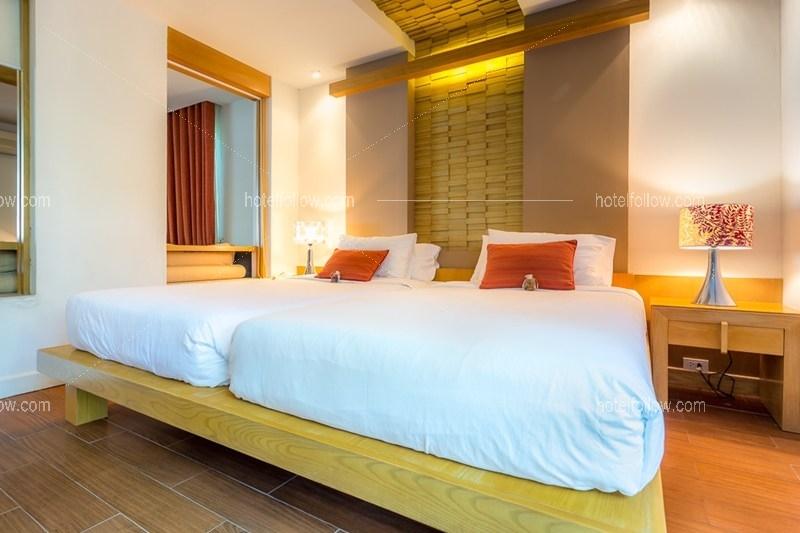 Beachfront Jacuzzi Room