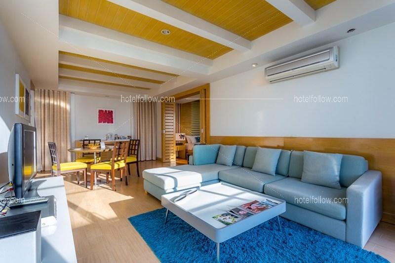 Beachfront Jacuzzi Suite