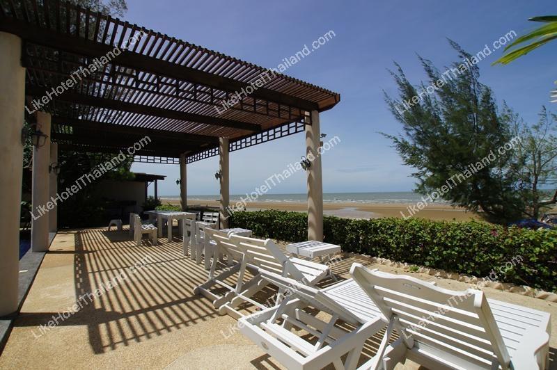 โรงแรม บ้านหาดทราย ติดทะเลปราณบุรี