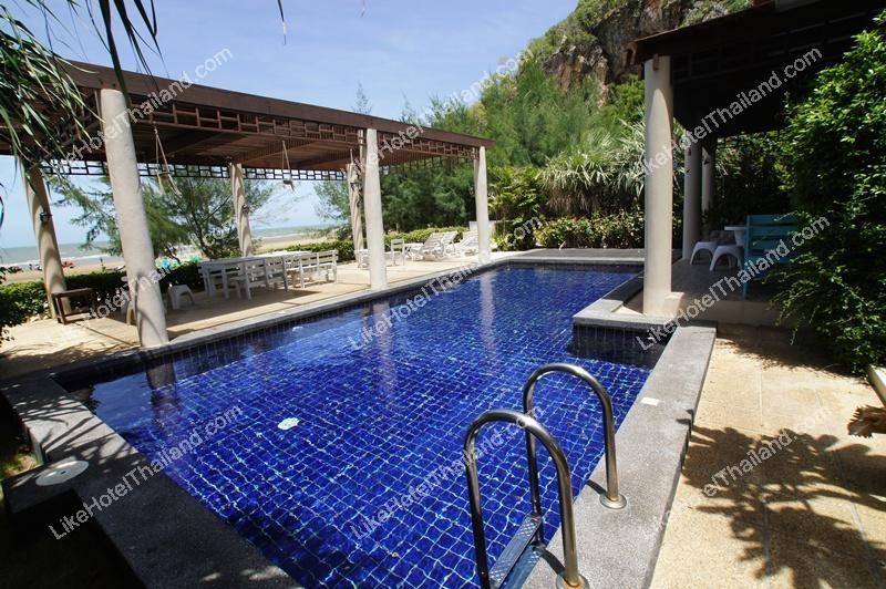 รูปของโรงแรม โรงแรม บ้านหาดทราย ติดทะเลปราณบุรี