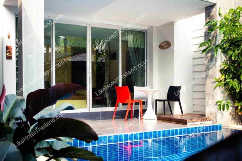 Waterfall House เรือนน้ำตก