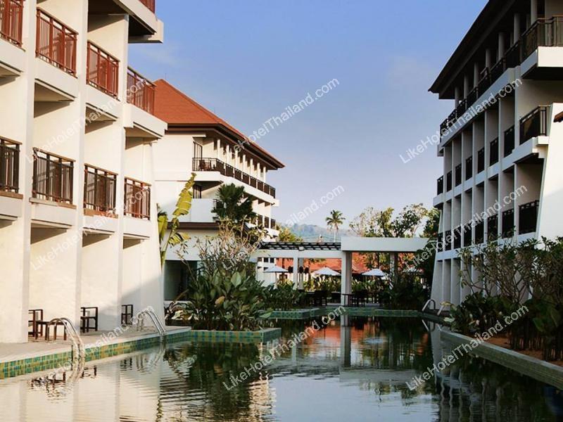 โรงแรม ดี วารี ไม้ขาวบีช ชื่อเดิม พีรญา รีสอร์ท แอนด์ สปา  ภูเก็ต