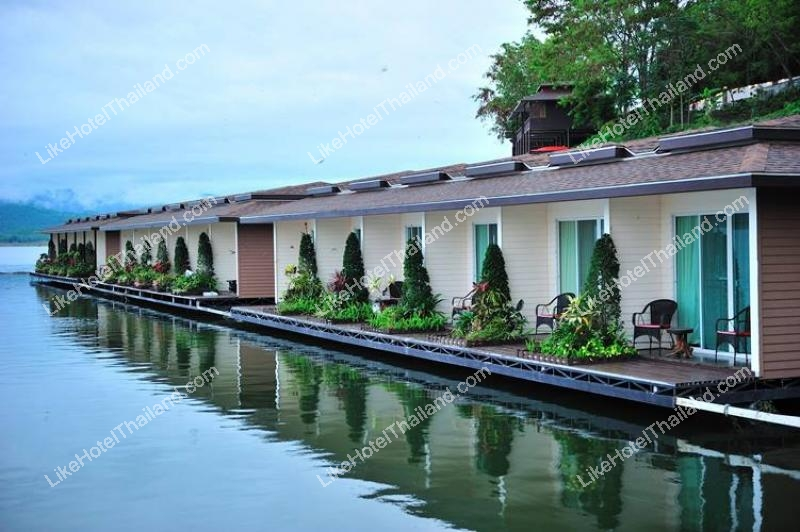 Raya Island Suite