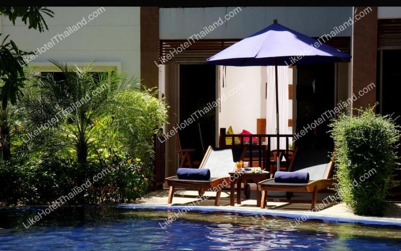 Royal Pool Access