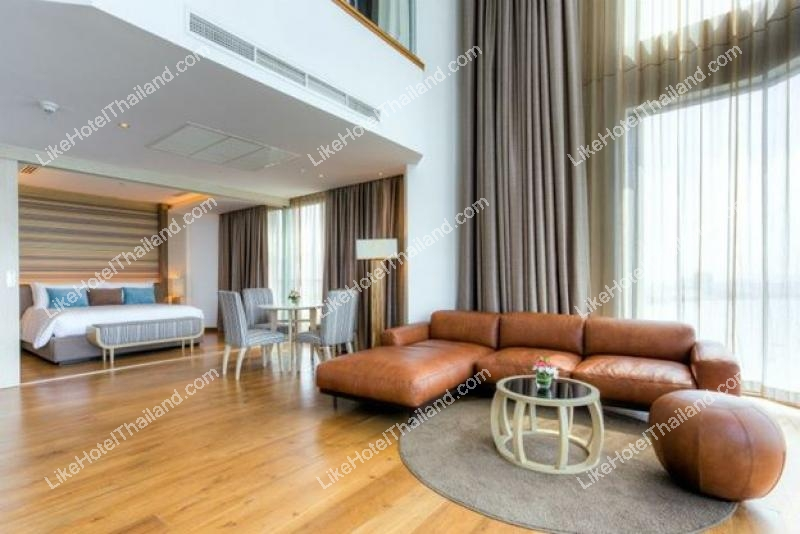 Top Star Duplex Suite