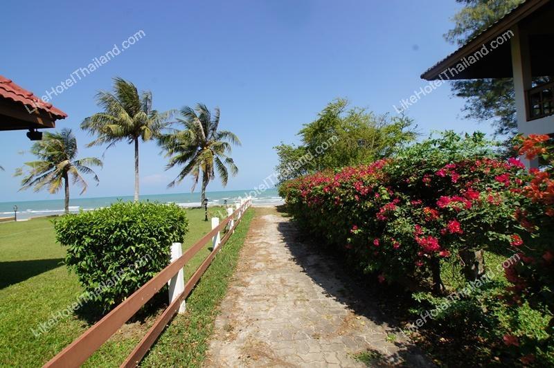 โรงแรม บ้านพักหาดปึกเตียน ลาแม  บาย  เชซ์ พิบพลี ( 4 ห้องนอน ปิ้งย่าง Free wifi )