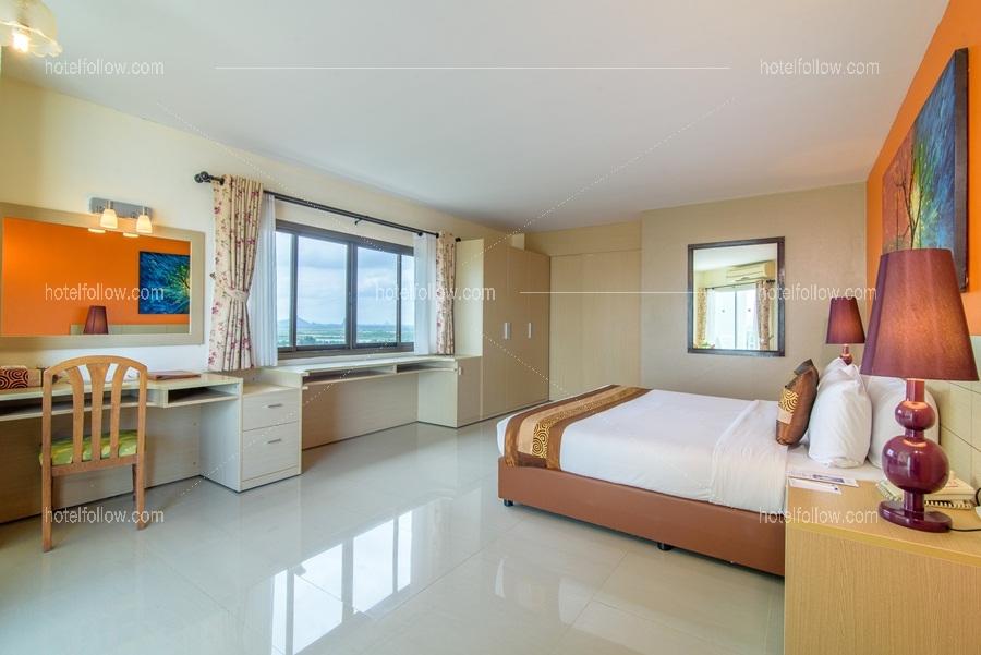 Golden Premier Two view Suites