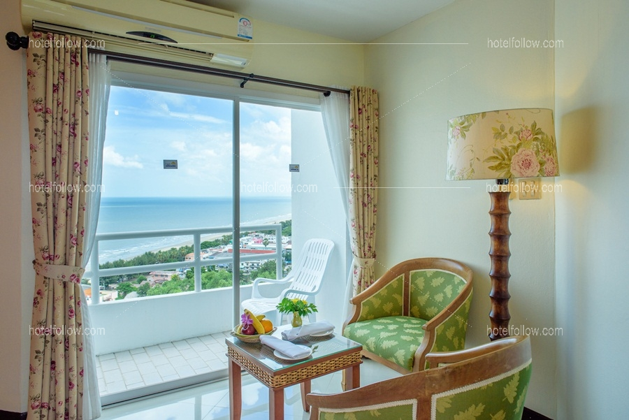 Golden Two view Suites