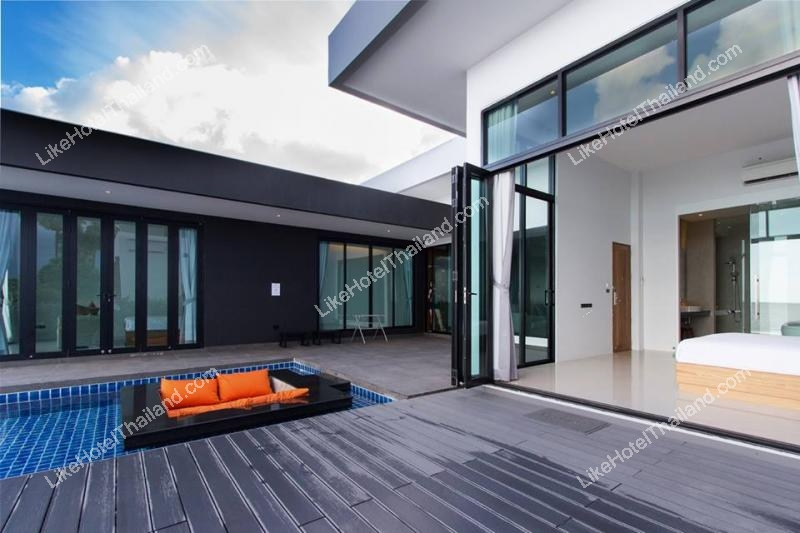 2 bedroom beach front pool villa