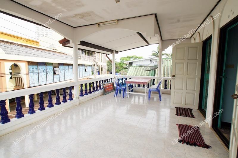 รูปของโรงแรม โรงแรม บ้านภูมิเคียงทะเล เขาตะเกียบ หัวหิน { 4 นอน ทำอาหาร ปิ้งย่างได้ }