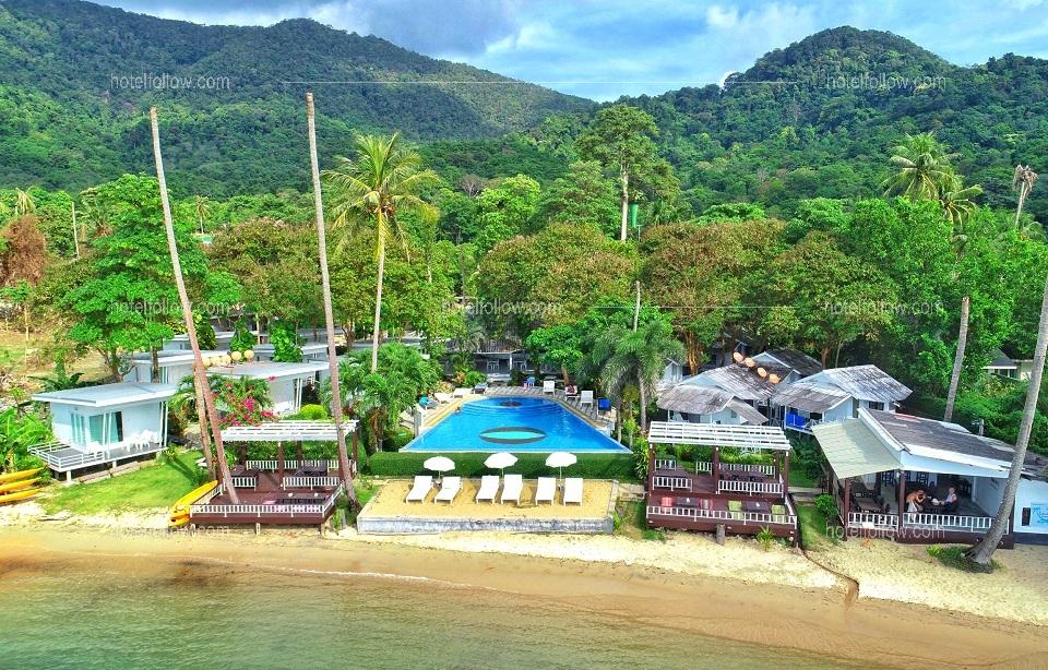 โรงแรม ไวท์เฮาส์ ใบลาน รีสอร์ท เกาะช้าง