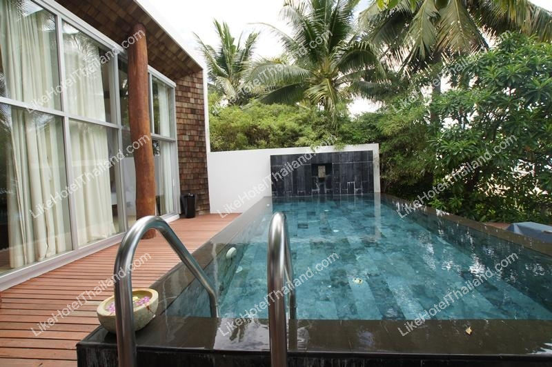 Beachfront Pool Villa 131 sq.m.