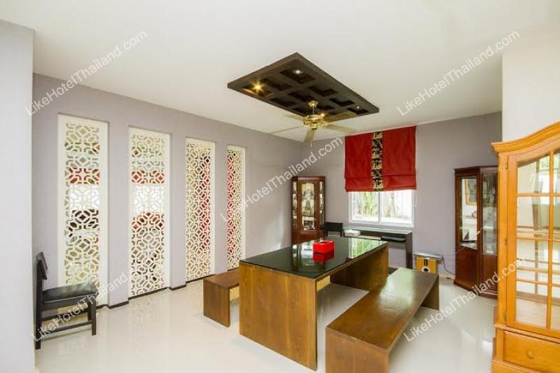 รูปของโรงแรม โรงแรม บ้านตำหนักบีช สัตหีบพูลวิลล่า