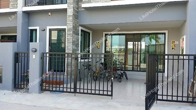 รูปของโรงแรม โรงแรม บ้านสุธีย์ ชะอำ