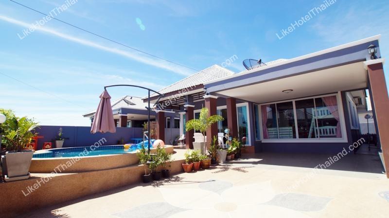 รูปของโรงแรม โรงแรม บ้านแจ่มจรัส ชะอำพูลวิลล่า