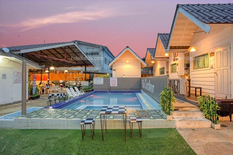 รูปของโรงแรม โรงแรม เดอะ อ๊อคโทเบอร์ เกาะล้าน
