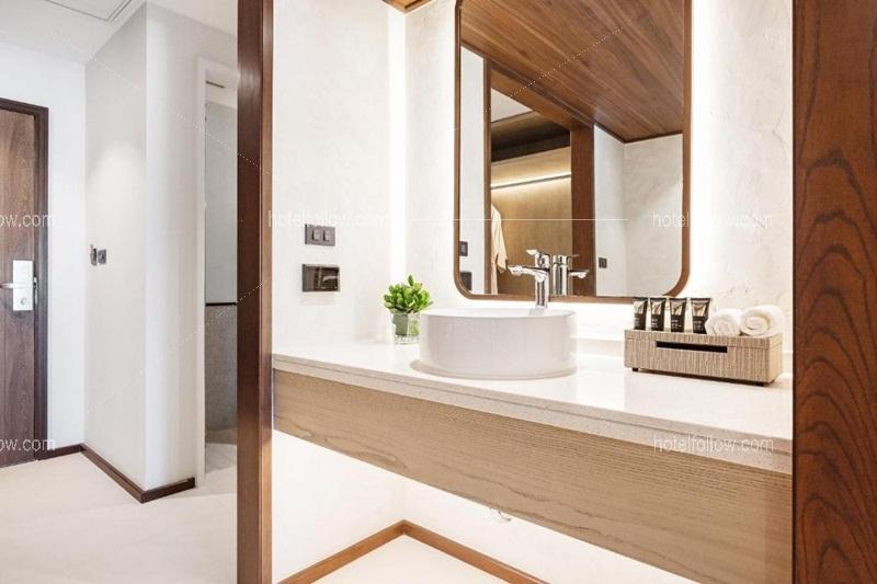 Mini Suite Pool Access