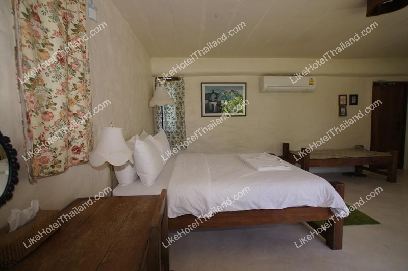 Suite Pink Double Bed