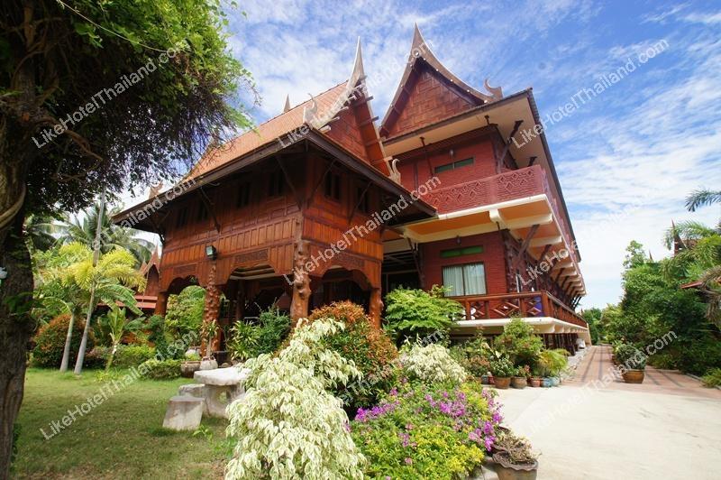 โรงแรม เจริญรัตน์ รีสอร์ท อัมพวา