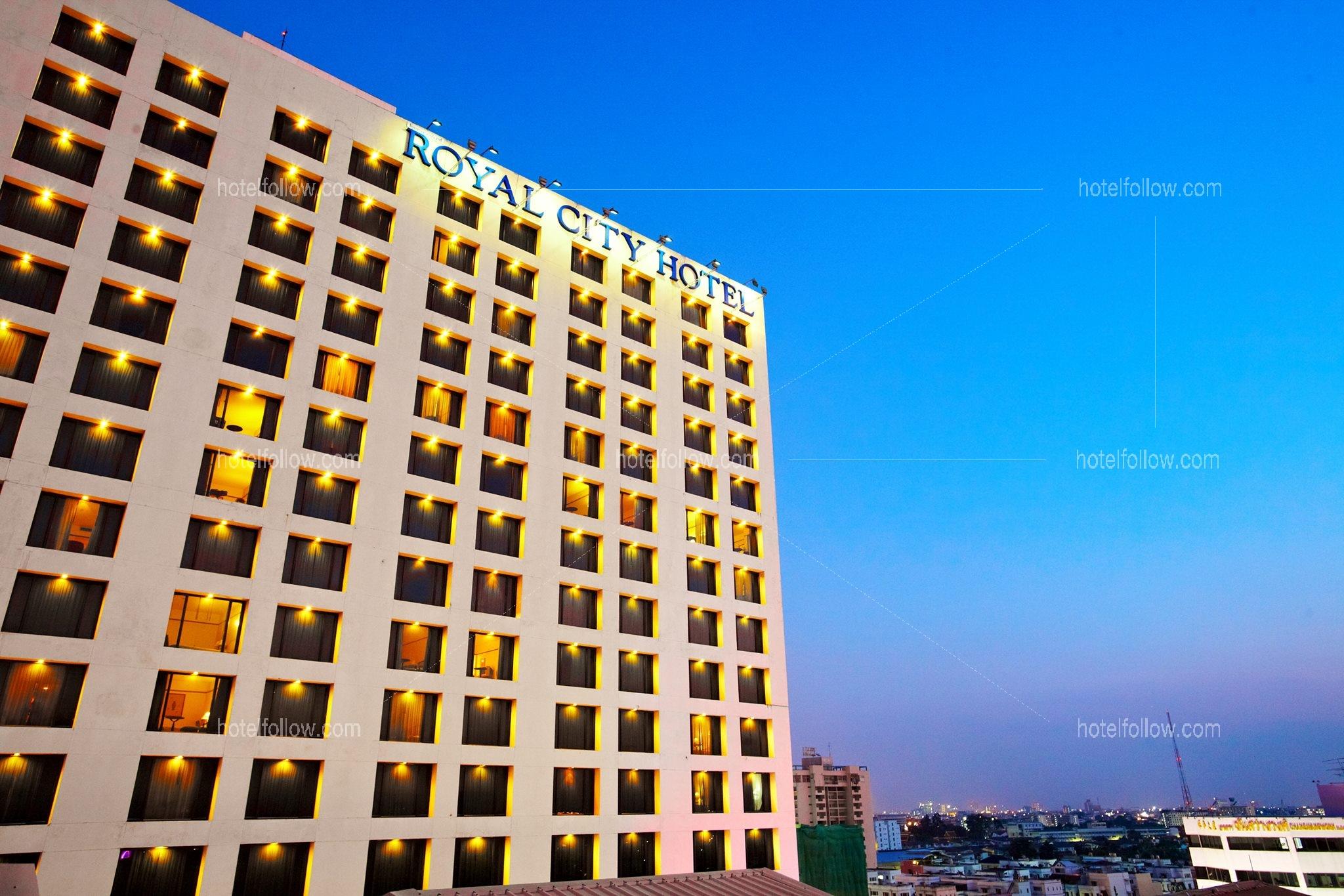 โรงแรม รอยัล ซิตี้ ปิ่นเกล้า กรุงเทพ