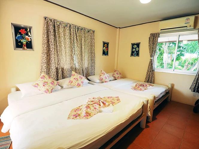 Pun Sook Family Room