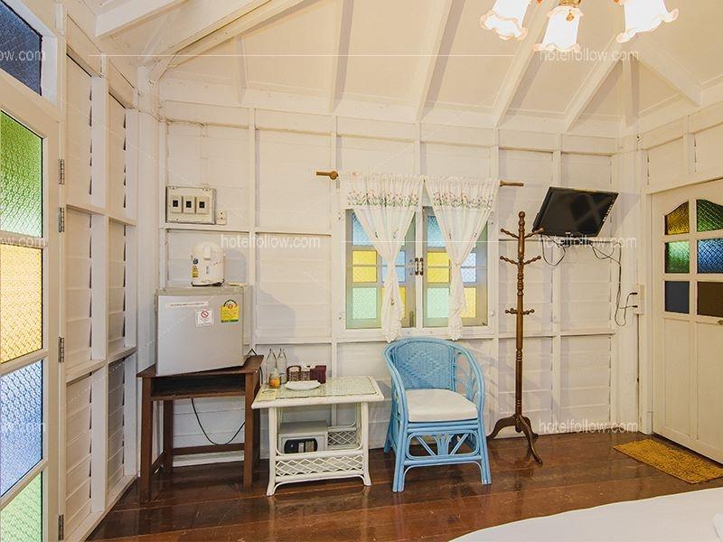 บ้านอิ่มสุขกระจิดริด Superior Cottage DBL