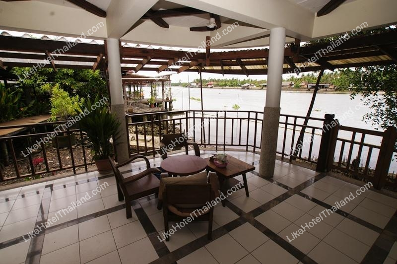 รูปของโรงแรม โรงแรม อัมพวาริเวอร์วิว สมุทรสงคราม (ติดแม่น้ำ)