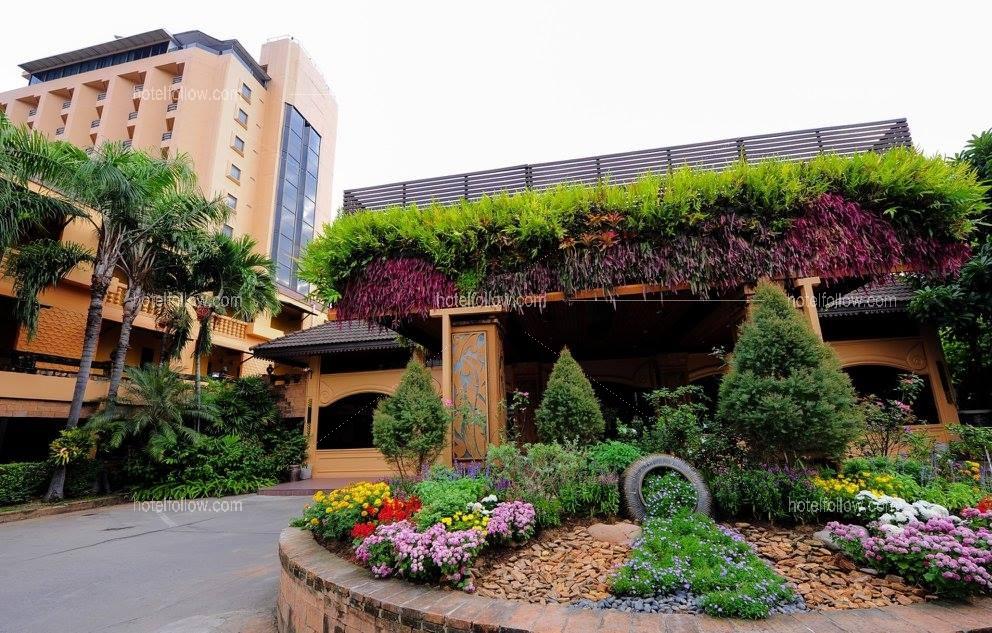 โรงแรม เชียงใหม่ ฮอลิเดย์การ์เด้นท์ แอนด์ รีสอร์ท