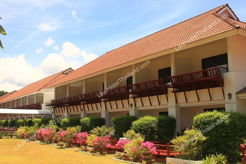 รูปของโรงแรม โรงแรม เดอะไพรเวซี่ บีช รีสอร์ท แอนด์ สปา หาดเขาสามร้อยยอด