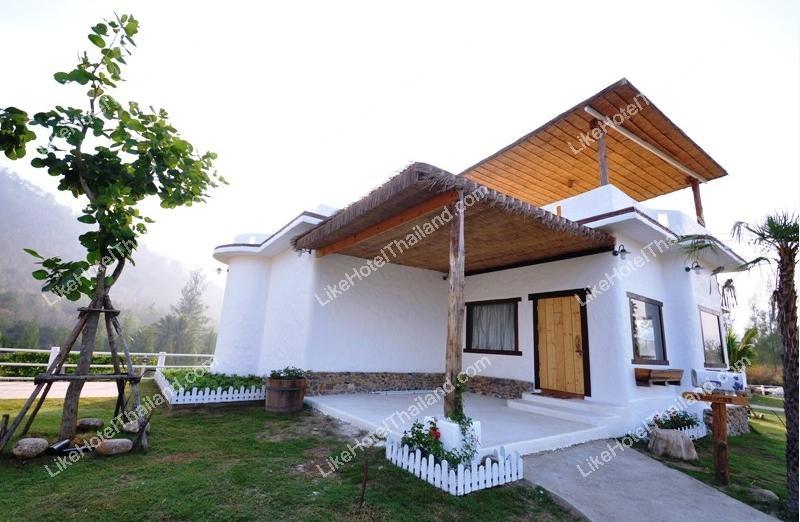 Grenache Villa