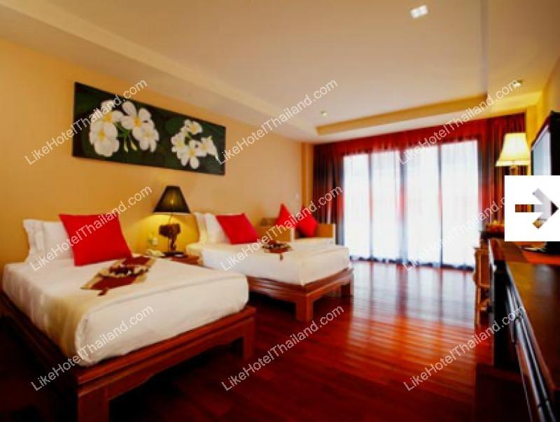 โรงแรม บ้านลายไม้ บีช รีสอร์ท ภูเก็ต