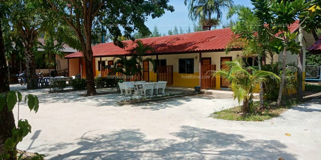 รูปของโรงแรม โรงแรม ปูม้ารีสอร์ท หาดเจ้าหลาว จันทบุรี